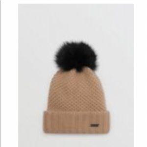 ❄️ Burberry Fur Pom-Pom Wool Cashmere Beanie